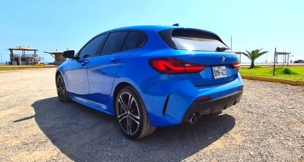Bmw 118i Kit M Competition Azul